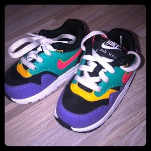 baby sneakers size 6C